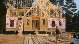 Building a Custom Home This Year? Make Sure Things Go Smoothly!